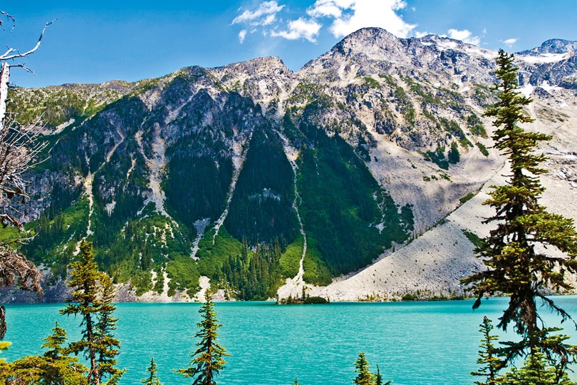 summertime-joffre-lakes-whistler-british-columbia-canada-conde-nast-traveller-18oct16-Wilson-Hiew_wilhiew_500pxjpg_810x540